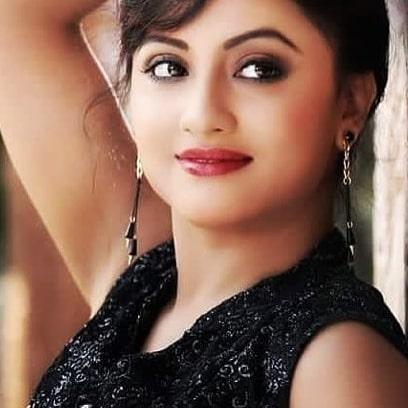 Riya Dey Biography - Height, Weight, Age, Biography, Wiki, Husband, Family