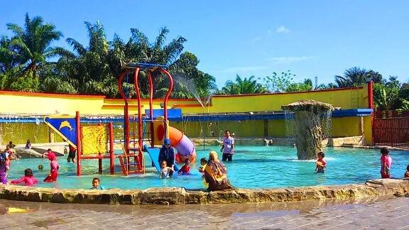 kolam air panas jasin melaka theme park