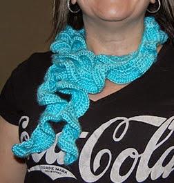 http://translate.googleusercontent.com/translate_c?depth=1&hl=es&rurl=translate.google.es&sl=en&tl=es&u=http://www.crochetgranny.com/quick-easy-crochet-swirly-scarf/&usg=ALkJrhjQTpGyNG1ChDzX9_qLkW1HoycCSw