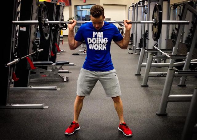 كيفية الحصول على العضلات بشكل طبيعي