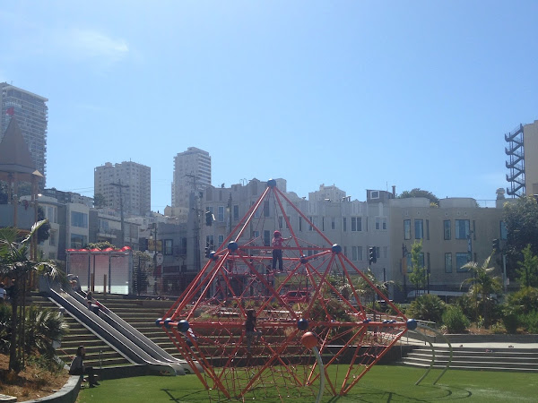 Joe DiMaggio Playground and North Beach Library