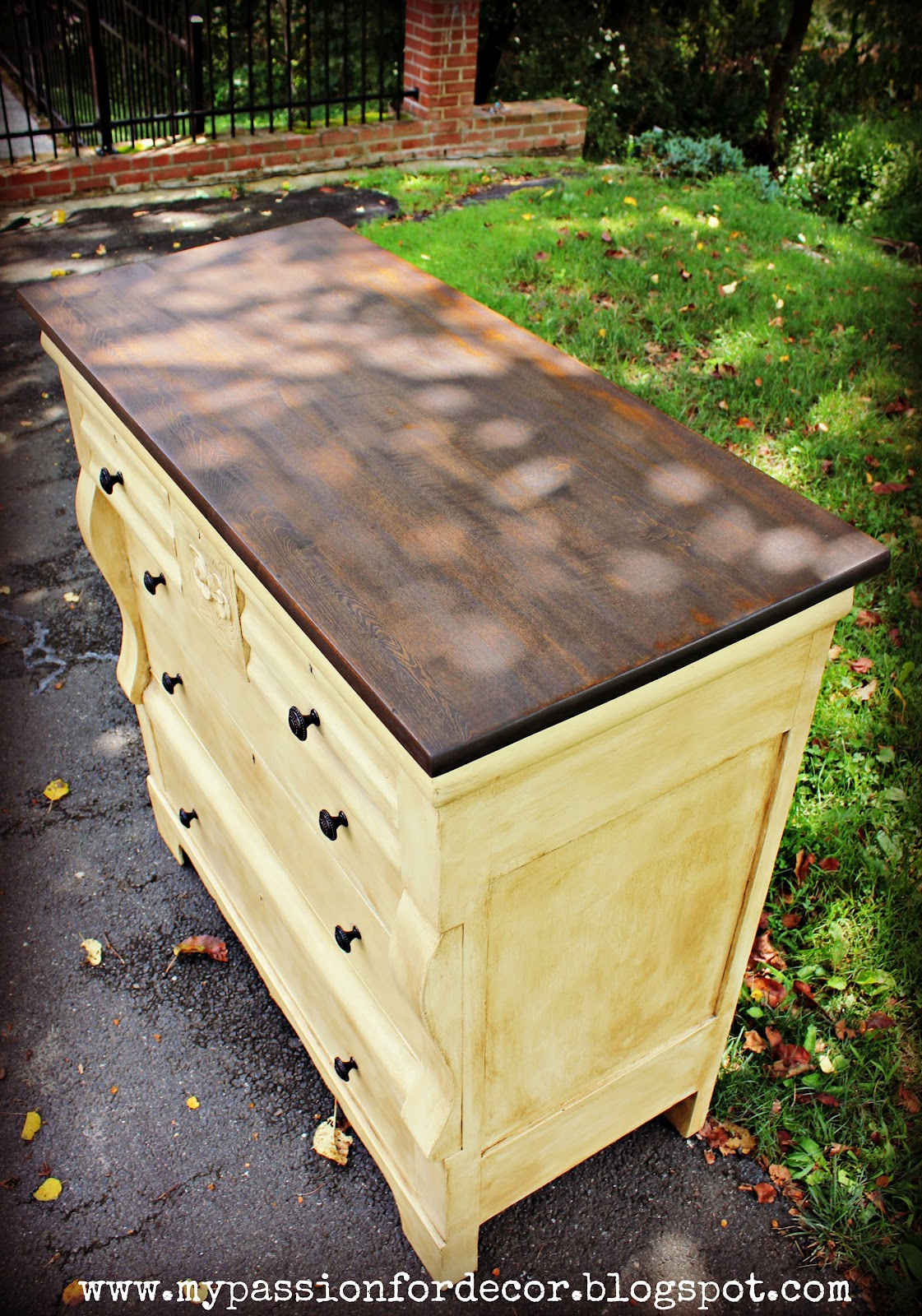 My Passion For Decor: Creamy Butter Yellow Dresser