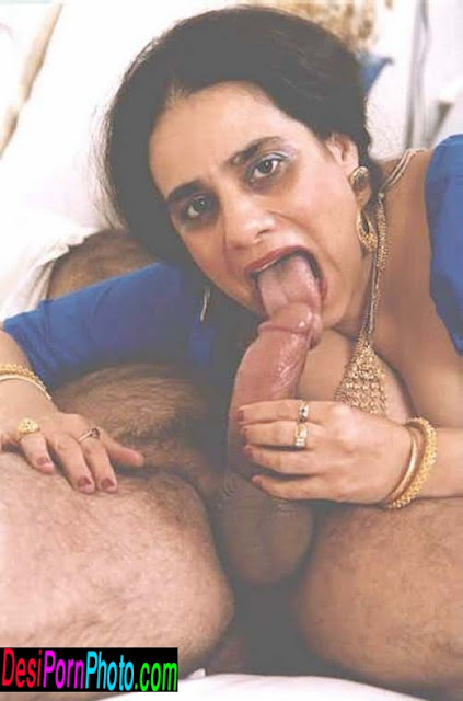 Indian big boob aunty gives blowjob her.Did not