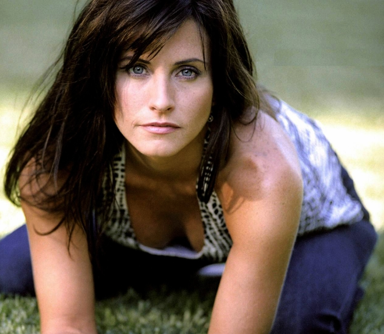 Courteney cox sexy slut commit error