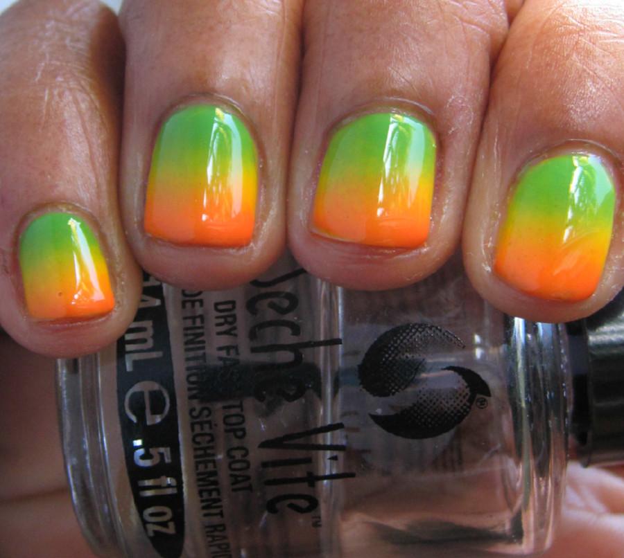 Karine's Vernis Club: Summery gradient and stamping!