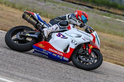 Ο Μιχάλης Κουτσουμπός με Honda CBR600RR