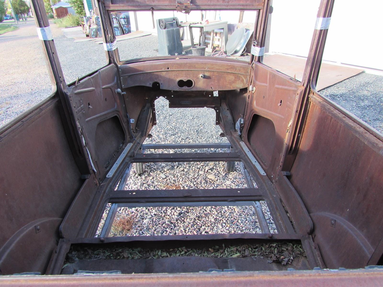 Reel Rods Inc.: FOR SALE: 1926 Ford Model T 2 door sedan body