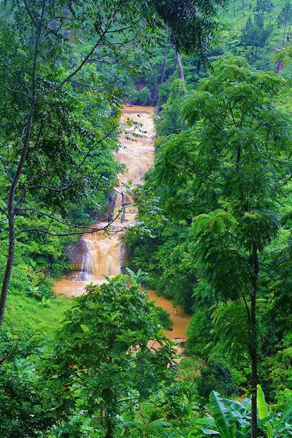 Air terjun antara Surade ke Kiara Dua