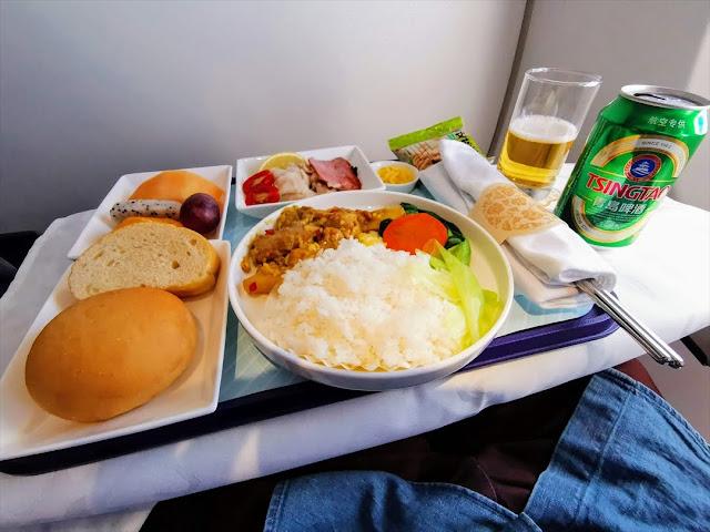 【中国東方航空ビジネスクラス搭乗記】豪華な機内食に感動 ...
