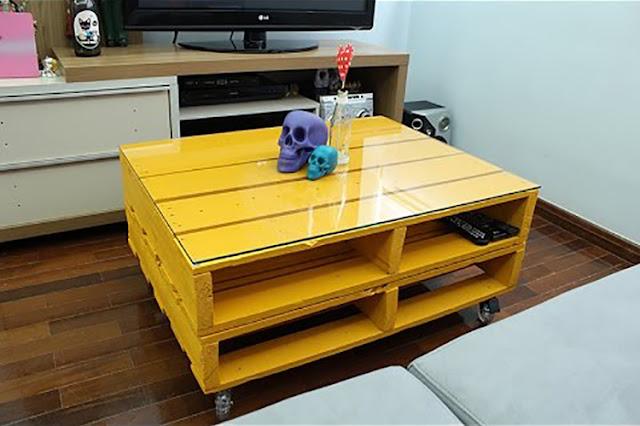 pallets-mesa-de-centro-amarela-abrirjanela