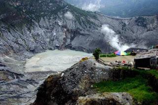 Gunung Tangkuban Perahu - Lembang