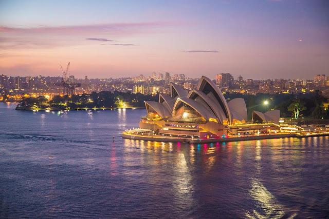 La Casa de la Ópera de Sídney, situada en la ciudad de Sídney, estado de Nueva Gales del Sur, Australia.