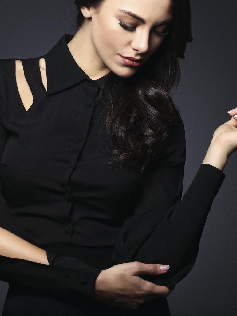 Hot & Sexy Turkish actress Tuvana Türkay HD Photos & Wallpapers