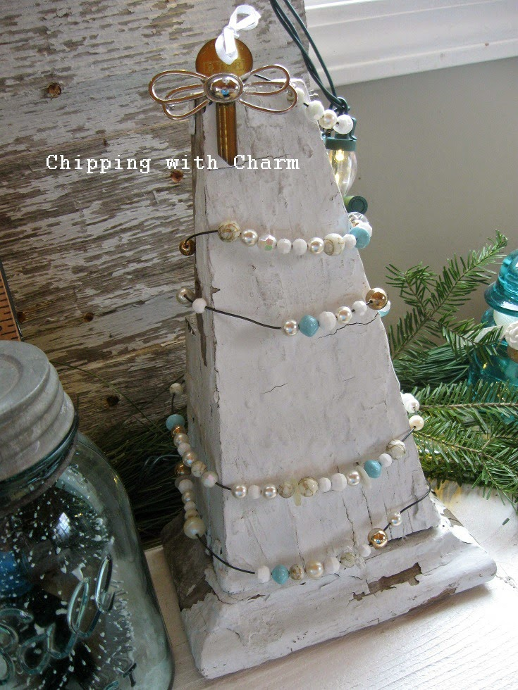 Chipping with Charm: Junkers United Corbel Christmas Tree...http://www.chippingwithcharm.blogspot.com/
