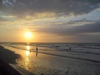 Berwisata di Pantai Kuta Bali