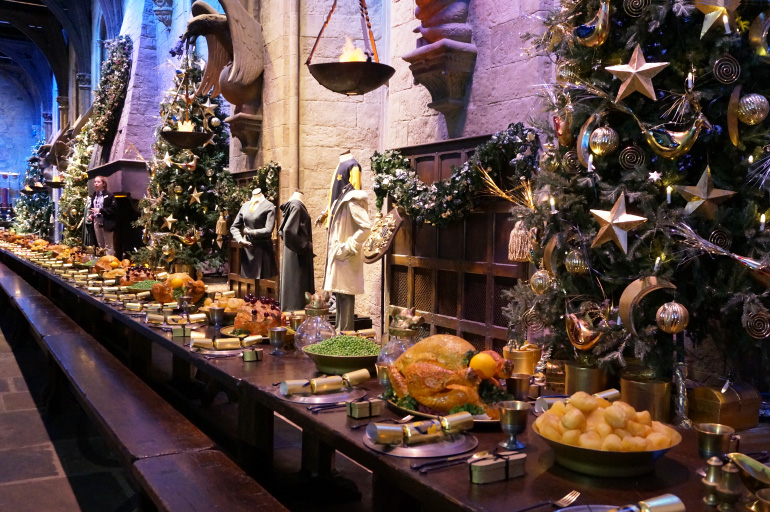 Warner bros studio tour harry potter poudlard louise for Salle a manger harry potter
