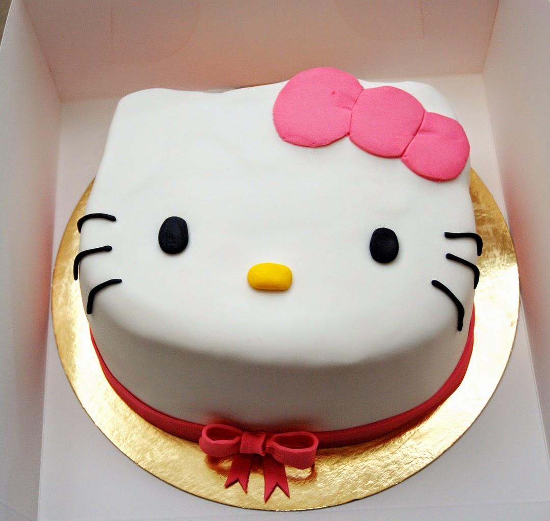 Babeczka Tort Na Roczek Dla Dziewczynki Hello Kitty I