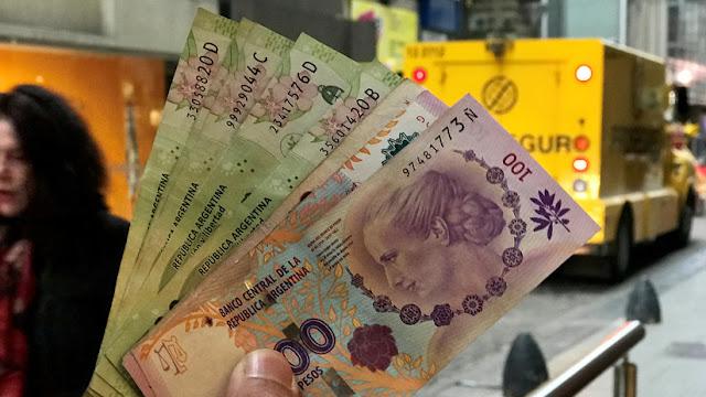 Argentina vendió 300 millones de dólares de sus reservas para intentar frenar la devaluación