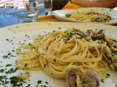 spaghetti alle vongole on the beach