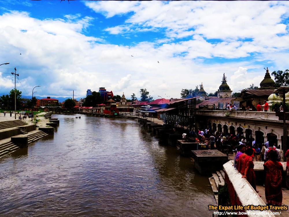 bowdywanders.com Singapore Travel Blog Philippines Photo :: Nepal :: Mugged by Power-Hungry Monkeys: Pashupatinath Temple, Kathmandu