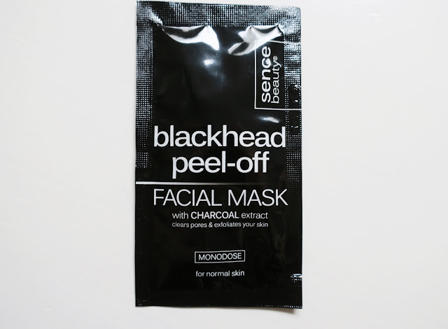 http://www.verodoesthis.be/2017/08/julie-maskerreview-blackhead-peel-off.html