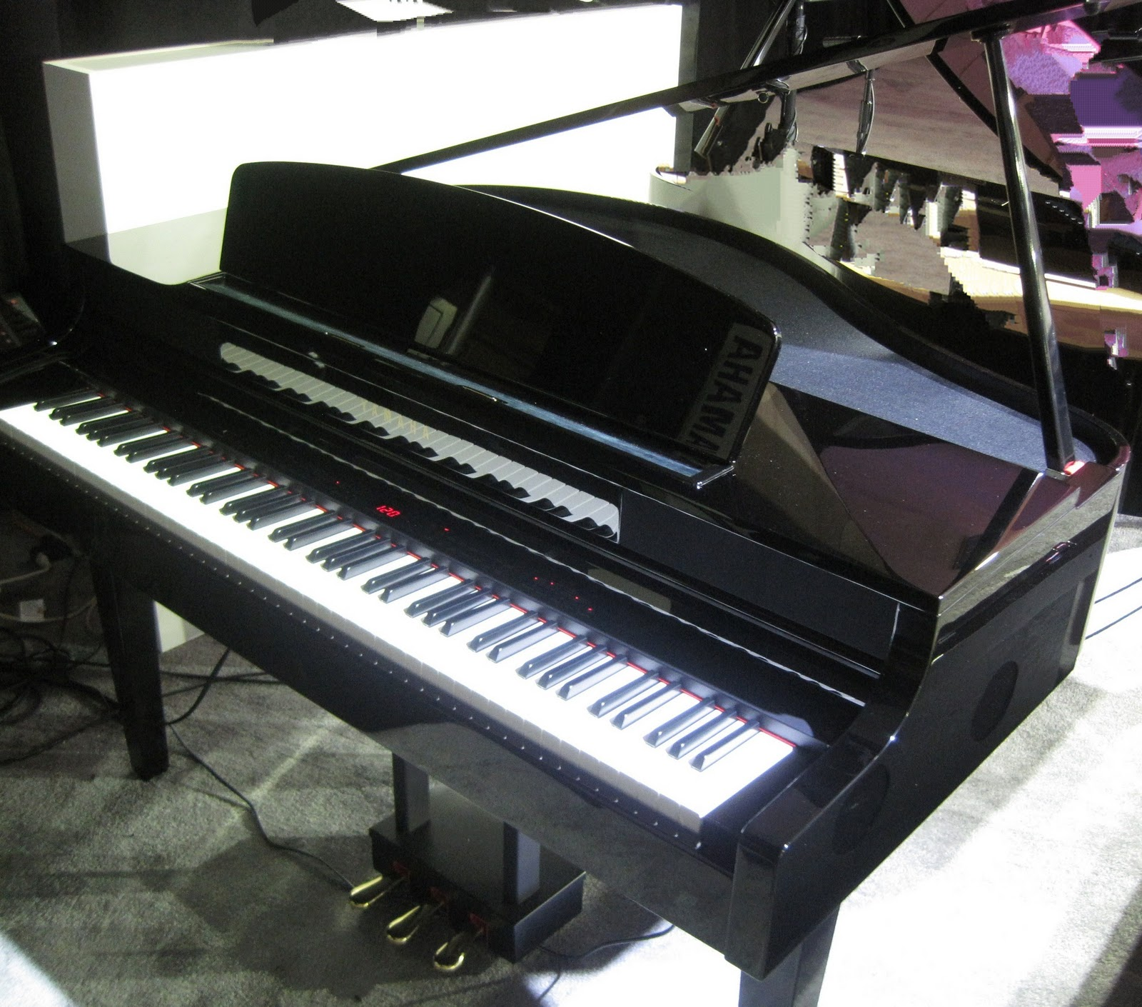 Az piano reviews review yamaha clp465gp digital baby for Price of a yamaha baby grand piano