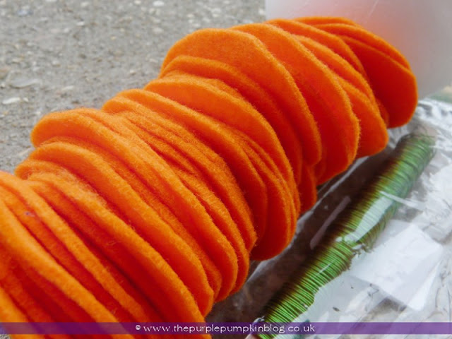~Felt Ruffle Pumpkin {Crafty October} at The Purple Pumpkin Blog~