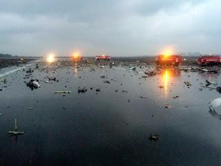 Avião cai durante pouso e mata 62 na Rússia