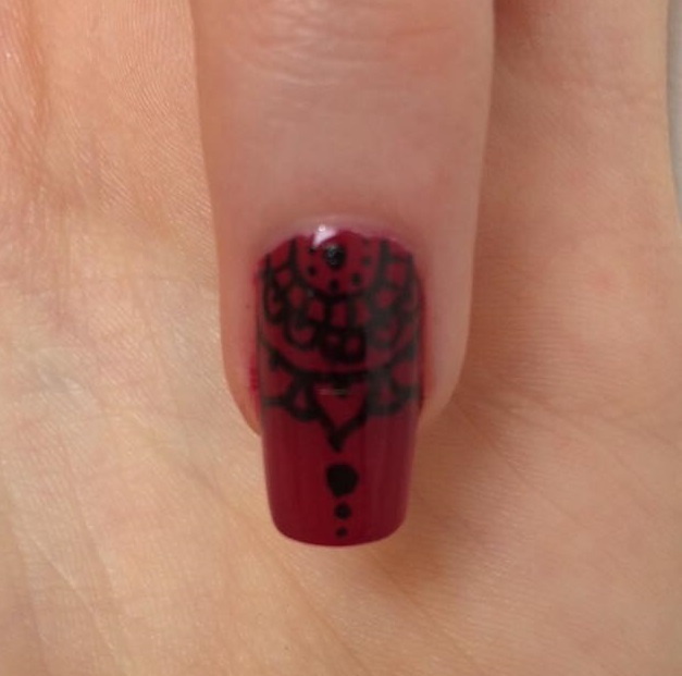 Step 3 - Nail Art: Henna Nails!