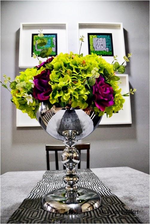 Aku Bukan Bidadari Dekorasi Hiasan Bunga Di Meja Makan