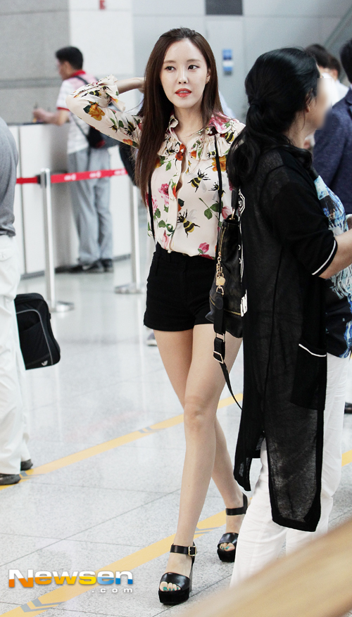 the gallery for gt jiyeon airport fashion tumblr