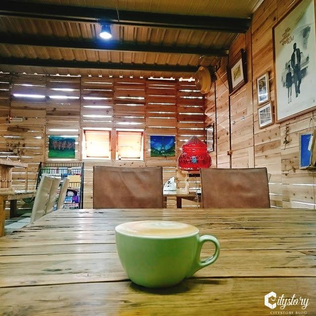 【南投草屯美食餐廳】素獸石窯-窯烤小木屋品咖啡- PIZZA水果烤餅好食大幸福