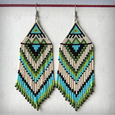 купить эффектные серьги из бисера ручной работы этнические украшения из бисера