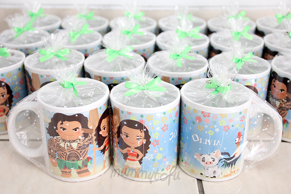 Say Hello To Moana Maui Hei And Pua These Mug Goodie Bags Are Wrapped In A Clear Plastic With Ribbon Personalised Recipients Name