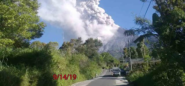 merapi erupsi pada pukul 16.31 WIB