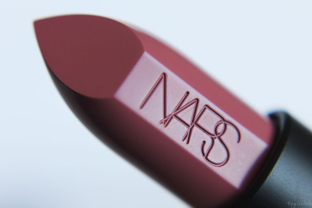 Nars Audacious Lipstick in Anna