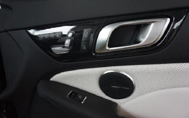 Mercedes AMG SLC 43 sử dụng Hệ thống âm thanh vòm Harman Kardon