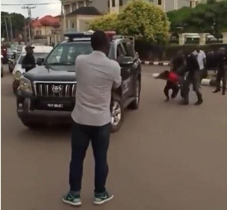 Policemen Arrest, Bundle 'Yahoo Boys' Into Their Jeep