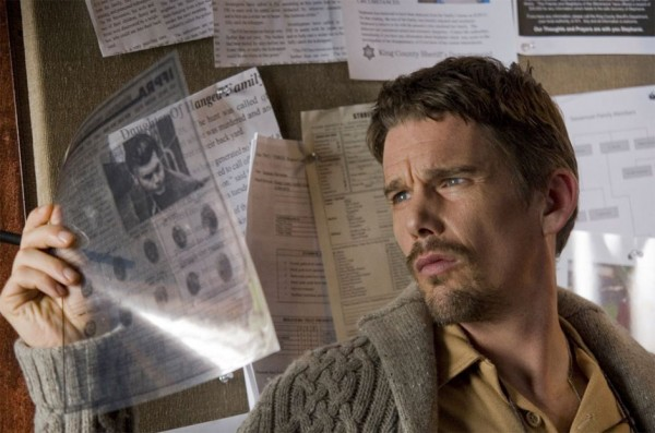 Ethan Hawke as Ellison Oswalt in Sinister 2012 movieloversreviews.filminspector.com