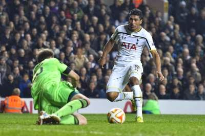 Paulinho to Fiorentina but could Chiriches join him?