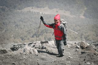 jaket yang cocok untuk mendaki gunung