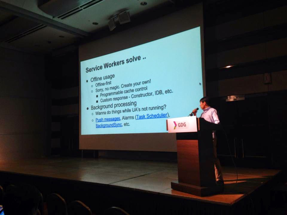 GDG Korea DevFest 2014: Service Workers - Bring your own magic - 송정기님