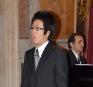 佐々木貴浩さんローマで美声を披露
