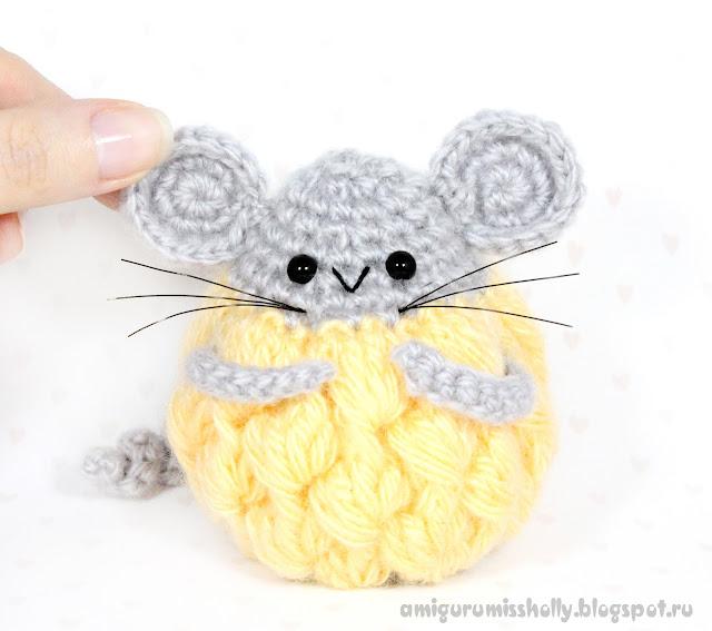 Мышка-толстушка. Игрушка амигуруми вязаная крючком