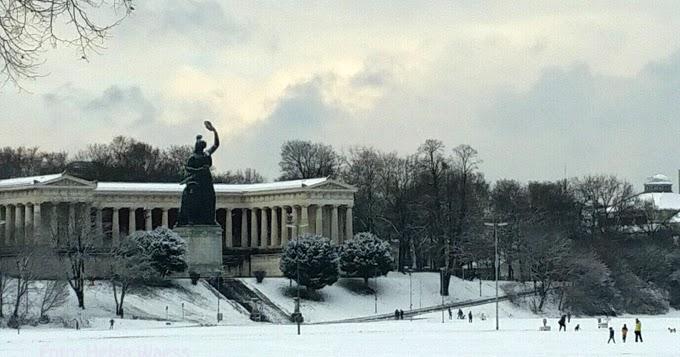 Theresienwiese bavaria foto helga waess