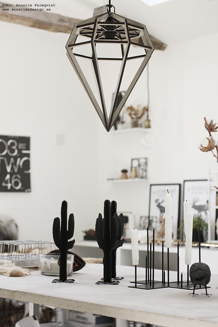 betongbord, kaktus, candle cross, ljusstake, annelies design, inredningsbutik i varberg, halland, västkusten, butik, posters, kök, köket, lampa, lampor, webbutik, webshop, nätbutik,
