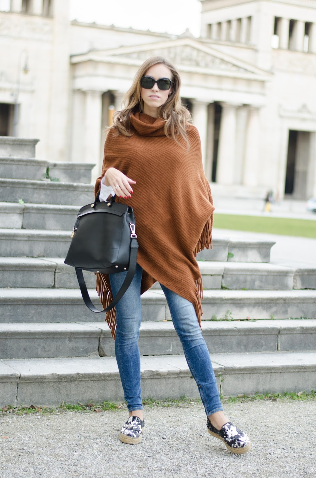 kristjaana mere lindex brown cape wool poncho blue skinny jeans chic fall fashion