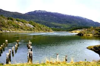 Archipielago Cormoranes des del Paseo de la Isla en el Parque nacional de Tierra del Fuego, Ushuaia, Argentina.
