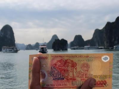Hòn ĐỈnh Hương được in trên đồng 200 ngàn VNĐ