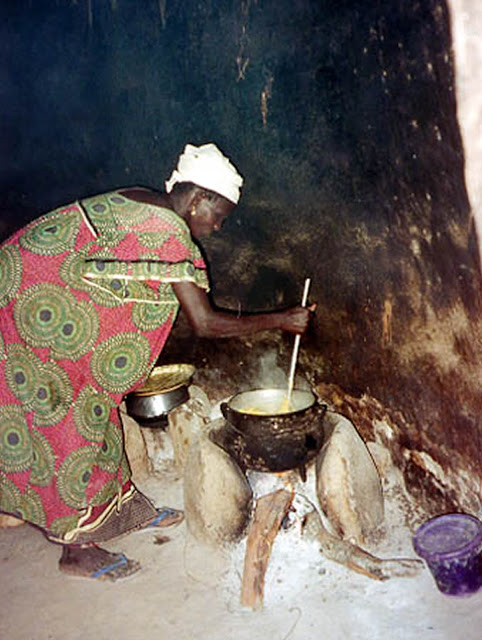 Cooking in Mali Africa in 1981